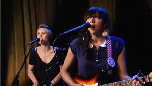 Art Zone Shuffle:  La Luz performs 'All The Time'