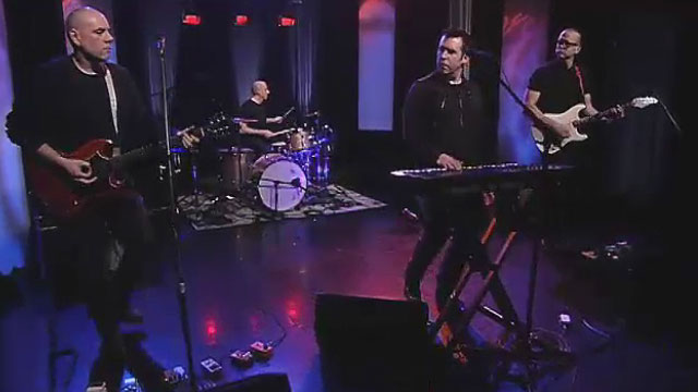 Art Zone: Jupe Jupe perform 'Pieces of You'