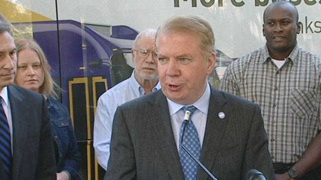 City officials mark expansion of Metro service in Seattle 6/17/15