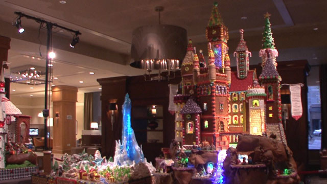 CityStream: Gingerbread Houses