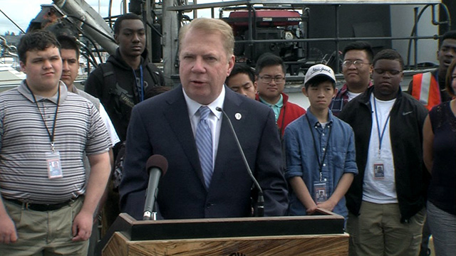 Mayor Murray gives update on Mayor's Youth Employment Initiative, recognizes partners