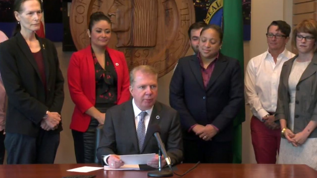 "Murray signs legislation banning ""conversion therapy"" for LGBTQ youth 8/3/16"