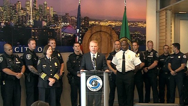 Mayor Murray honors first responders for heroic response to apartment fire