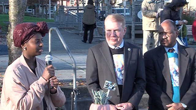 Mayor Murray celebrates Pavement to Parks project in Rainier Vista