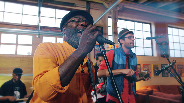 Art Zone: Clinton Fearon and Boogie Brown Band perform 'Doctor Say'