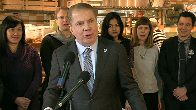 Mayor Murray marks milestone for Seattle's minimum wage