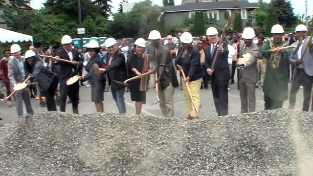 Mayor Murray attends Liberty Bank Building groundbreaking