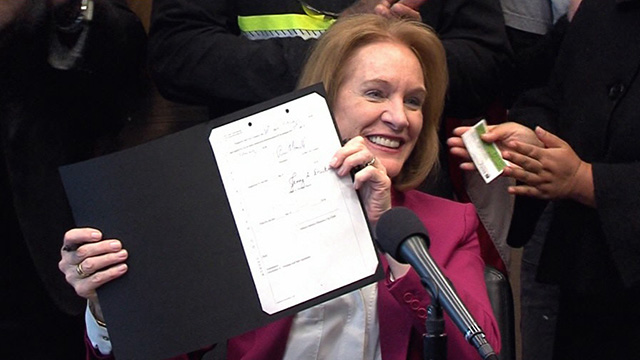 "Mayor Durkan signs ""Building A Bridge to Housing For All"" legislation"