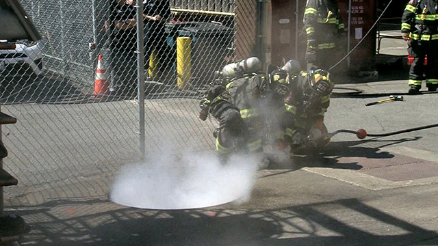 Mayor, city leaders demonstrate new approach to fighting underground electrical fires