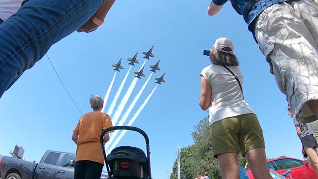 Viewing the Blue Angels