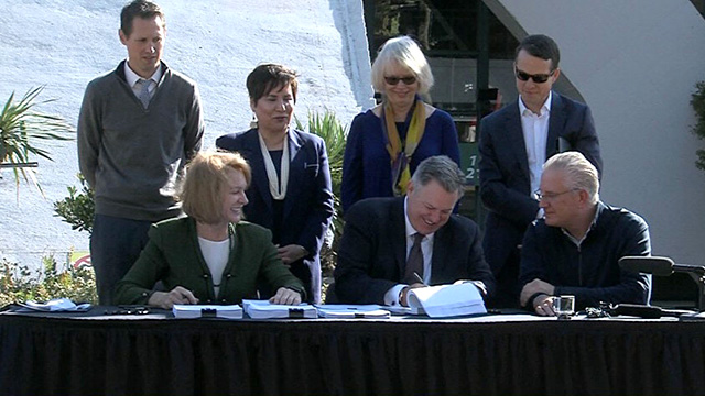 Mayor Durkan signs KeyArena redevelopment legislation
