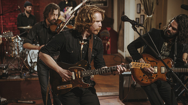 "Art Zone: Country Lips perform ""Grizzly Bear Billboard"""